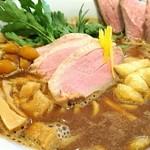 メンドコロ キナリ - Ramen 赤味噌 900円 鴨肉 250円