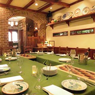 ヨーロッパの田舎のレストランをイメージした店内。