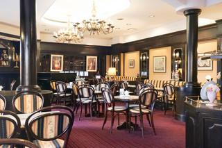 シュトラウス - 2階のカフェ