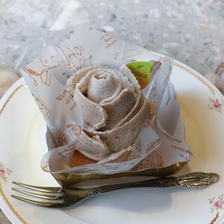 シュトラウス - 料理写真:縄文栗のモンブラン