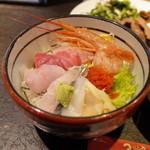 牛たん炭焼 利久 - 特選海鮮丼