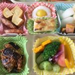 茶釜 セルフカフェ エルモット - お弁当は予約制です。ご予算に合わせてお作りします。