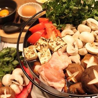 大人気★冬季限定★鶏すき焼き鍋コース料理!