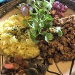 麺とカレーのお店 かるみれんげ - 料理写真:ポークキーマカレー