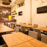 LaLa Cafe - 2Fテーブル席