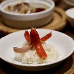 餃子とスパークリング バブルス - 赤タコウインナー&オデン出汁ご飯