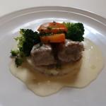 ブラッスリー・レカン - 仔牛のフリカッセ 温野菜とバターライス添え