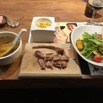 98036289 - ラムチョップ、畑の恵みサラダ、原木しいたけのスープお通し