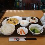 飲茶キッチン FengLong豊龍 - 本日のサービスランチ(キクラゲと豚肉の玉子炒め)