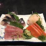 鮨処 魚一心 - 刺し盛り3点+自家製〆さば