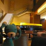 9805168 - 階段の上がレストランのようです