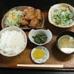 9805301 - 日替定食(唐揚と鰹タタキ)500円