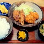 から揚げの天才 - からたま定食(からたま4個定食(黒2個・白2個)) ¥690