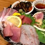 魚屋スタンドふじ子 - 魚盛り