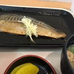 98056492 - ・鯖の煮付け定食