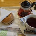 98058383 - ブルーベリーサンド、紅茶