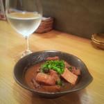 和ビストロ 菜 - モツの赤味噌煮