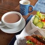 CAFE BAR HONWAKA -