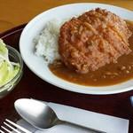 休暇村 讃岐五色台 - 料理写真:カツカレー(ご飯大盛り)