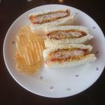 キャンドル - 料理写真:ポークカツサンド