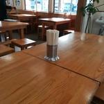 豊吉うどん - テーブル