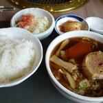 9808806 - ランチのカルビ + ミニラーメン - スープ