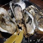 どさんこキッチン ゴリラ - 生牡蠣(660円/3個)