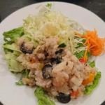 Bisutoroishikawatei - 18穀米とシーフードのサラダ