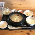 韓国家庭料理 炭火焼肉 しんちゃん - サムゲタンセット 1280円