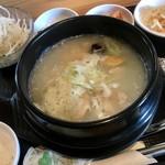 韓国家庭料理 炭火焼肉 しんちゃん - グツグツ状態