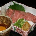 水七輪焼肉 こいずみ - 料理写真:薄切りステーキ(ユッケソース添え)