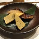 イチズシ - 鰤の照り焼き、出汁巻き玉子
