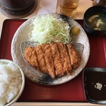 まねき - 料理写真:ロースかつ定食 ¥950