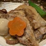 泡盛と沖縄料理 龍泉 - 軟骨ソーキ煮 680円