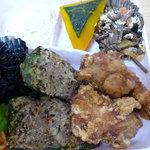 ギャルソン - 料理写真:唐揚げとピーマン肉詰めのお弁当 おかずのみ 500円