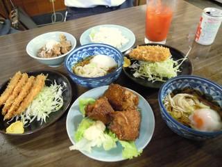 山田屋 - お料理がいっぺんに出てきました!