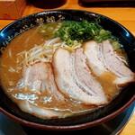 あなたの心を鷲掴み - 宮崎とんこつ♪自分の好みは濃厚!今日替え玉の麺が柔らかかった(^◇^;)