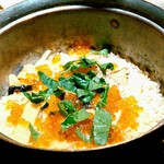 98114669 - 塩引き鮭とイクラの釜戸炊き銅鍋御飯