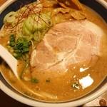 浜屋 - そう言えばネギも美味しかった。濃いスープに良く合う辛味。