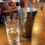 たつや - 日本酒「地酒」1合。390円也。熱燗で。