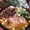 どんとこい家 - 料理写真:昼めしセット 900円・SNSサービスの薬味ねぎ (焼豚2枚・味玉・海苔5枚・中盛orライス) 中盛を選択