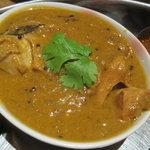 南インド料理 葉菜 - メインのチキンカレー