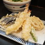 手打うどん すみた - 天ぷらうどんの天ぷら