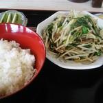 おいで家 - 料理写真:日替り定食 レバニラ炒め 800円