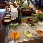 囲み家 - 料理写真:サラダバー