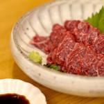 鶏亭 SaCURA - 馬刺し ★いっしーリコメンド