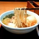 一茶庵 - 一茶庵 分店@新庄 とりもつラーメンの麺