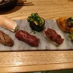 小岩 肉寿司 - 彩り盛り合わせ