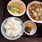 98152225 - 八宝菜定食