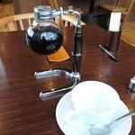 倉式珈琲店 - クレオパトラのコーヒーが先にきました。